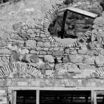 Buggerru, laverie Malfidano. Dettagli di un muro, parte sud della facciata.